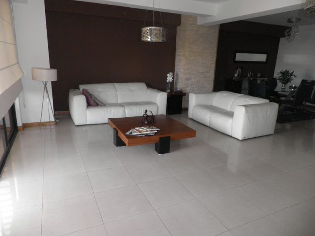 Apartamento Carabobo>Valencia>La Trigaleña - Venta:160.000 Precio Referencial - codigo: 20-21296