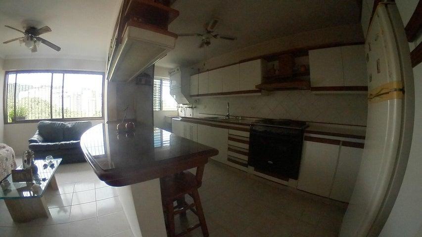 Apartamento Carabobo>Valencia>El Bosque - Venta:29.500 Precio Referencial - codigo: 20-21365