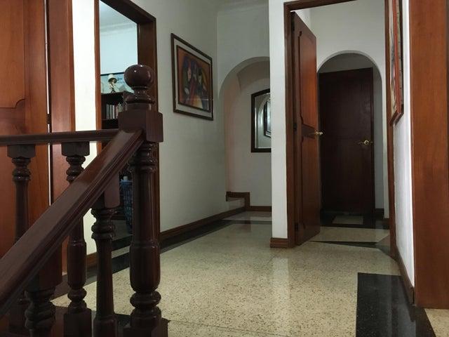 Casa Distrito Metropolitano>Caracas>Las Acacias - Venta:150.000 Precio Referencial - codigo: 20-23591