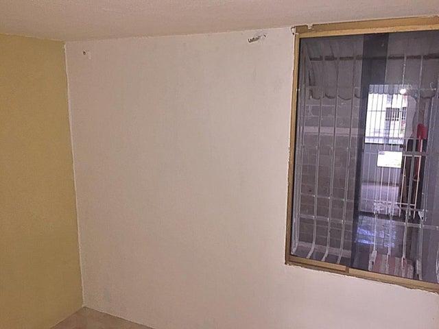 Apartamento Miranda>Guatire>Parque Alto - Venta:7.000 Precio Referencial - codigo: 20-21441