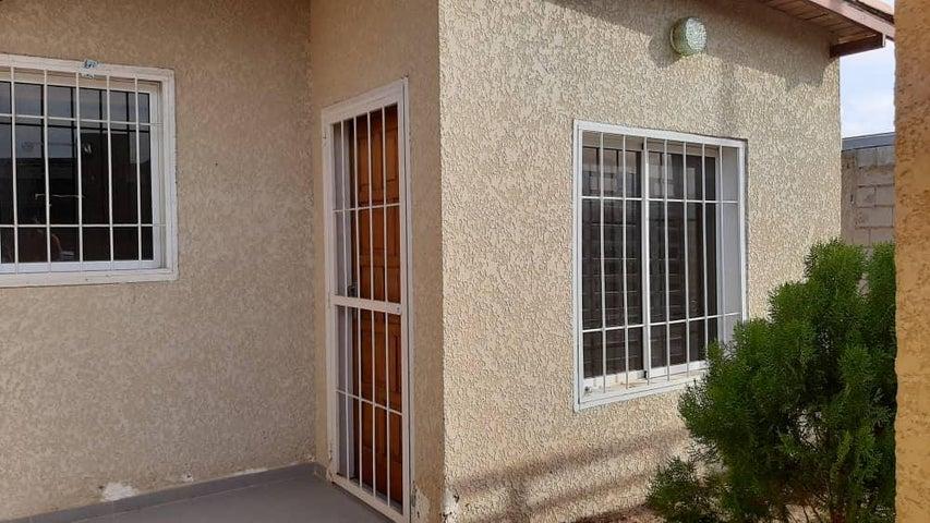Casa Falcon>Punto Fijo>Guanadito - Venta:14.800 Precio Referencial - codigo: 20-21632