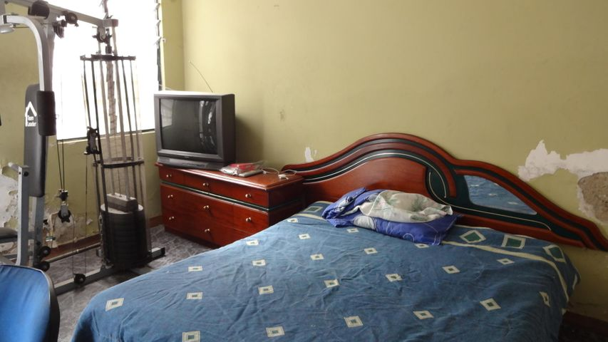 Casa Distrito Metropolitano>Caracas>Santa Eduvigis - Venta:600.000 Precio Referencial - codigo: 20-22281