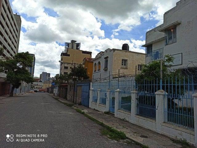 Casa Distrito Metropolitano>Caracas>Guaicaipuro - Venta:90.000 Precio Referencial - codigo: 20-21509