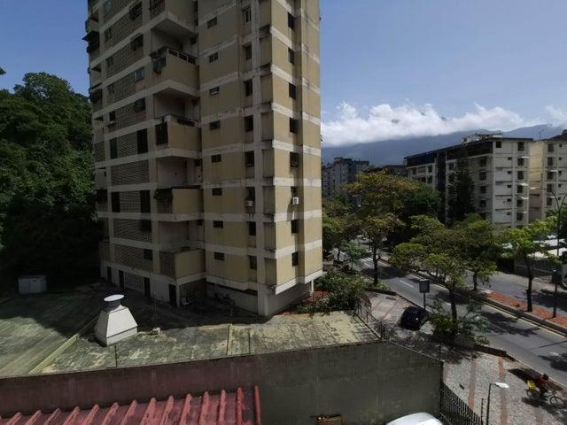 Apartamento Distrito Metropolitano>Caracas>Santa Sofia - Venta:80.000 Precio Referencial - codigo: 21-4611