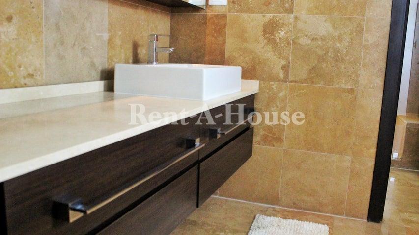 Apartamento Zulia>Maracaibo>Avenida El Milagro - Venta:240.000 Precio Referencial - codigo: 20-21751