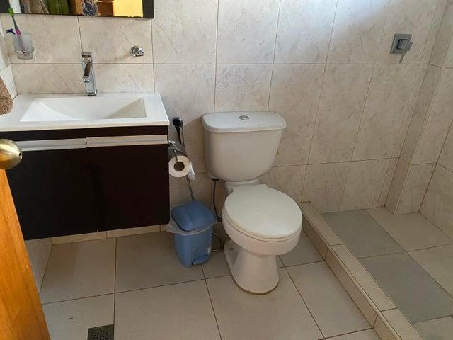 Casa Distrito Metropolitano>Caracas>Prados del Este - Venta:589.200 Precio Referencial - codigo: 20-23942