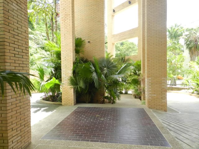 Apartamento Distrito Metropolitano>Caracas>Colinas de Valle Arriba - Venta:1.030.000 Precio Referencial - codigo: 20-22066