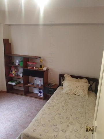 Apartamento Miranda>Municipio Los Salias>Las Salias - Venta:90.000 Precio Referencial - codigo: 20-22199