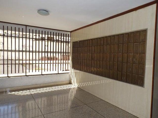 Apartamento Distrito Metropolitano>Caracas>Parroquia Santa Teresa - Venta:16.000 Precio Referencial - codigo: 20-22271