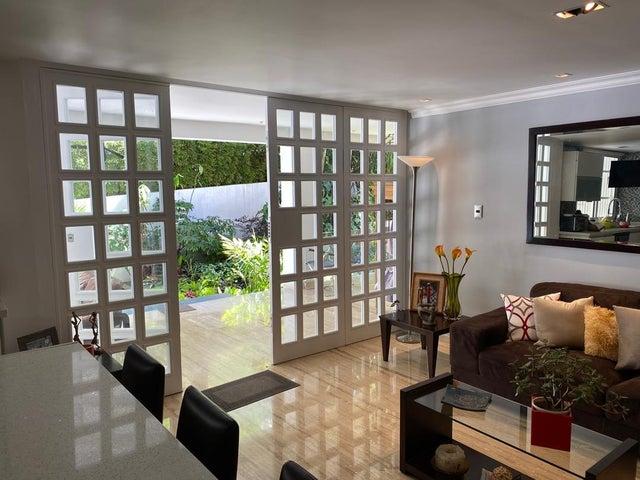 Apartamento Distrito Metropolitano>Caracas>La Alameda - Venta:350.000 Precio Referencial - codigo: 20-22264
