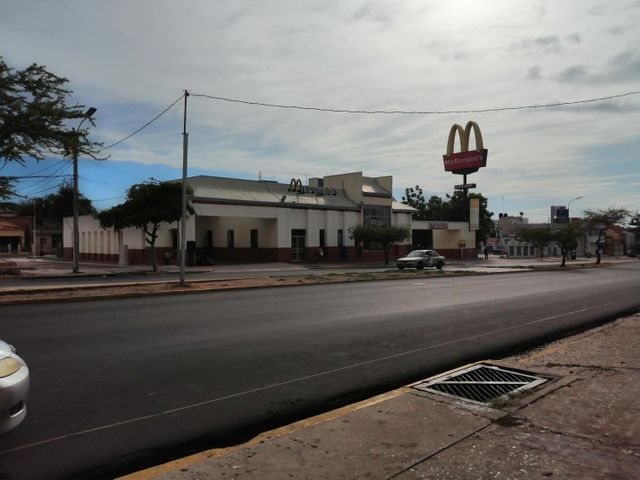 Local Comercial Zulia>Maracaibo>Padilla - Venta:7.500 Precio Referencial - codigo: 20-22268