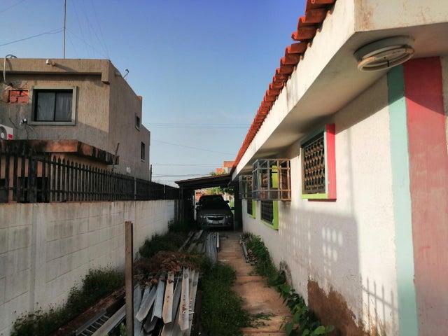 Casa Zulia>Municipio San Francisco>La Coromoto - Venta:28.000 Precio Referencial - codigo: 20-22280