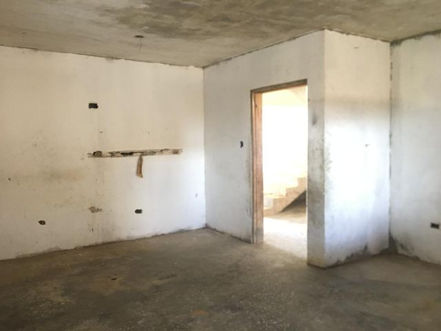 Casa Falcon>Punto Fijo>Santa Irene - Venta:22.000 Precio Referencial - codigo: 20-22303