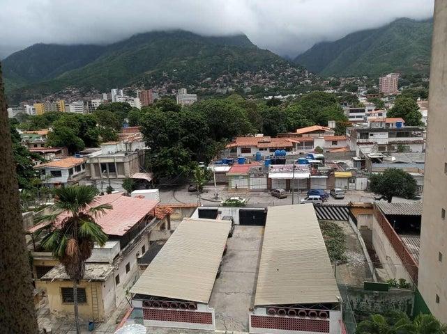 Apartamento Vargas>Parroquia Caraballeda>Palmar Este - Venta:18.000 Precio Referencial - codigo: 20-22309
