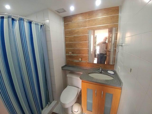 Apartamento Distrito Metropolitano>Caracas>Villa Nueva Hatillo - Venta:75.000 Precio Referencial - codigo: 20-21336