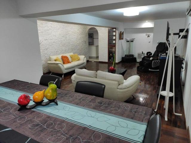Apartamento Distrito Metropolitano>Caracas>Los Palos Grandes - Venta:175.000 Precio Referencial - codigo: 20-22316