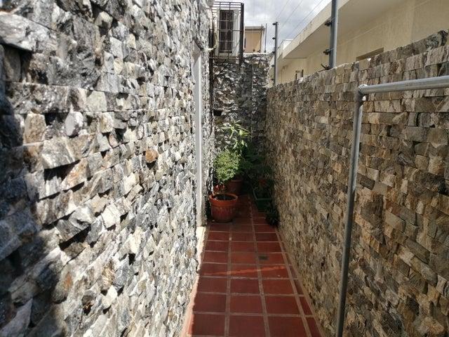 Townhouse Zulia>Ciudad Ojeda>Centro - Venta:35.900 Precio Referencial - codigo: 20-22320