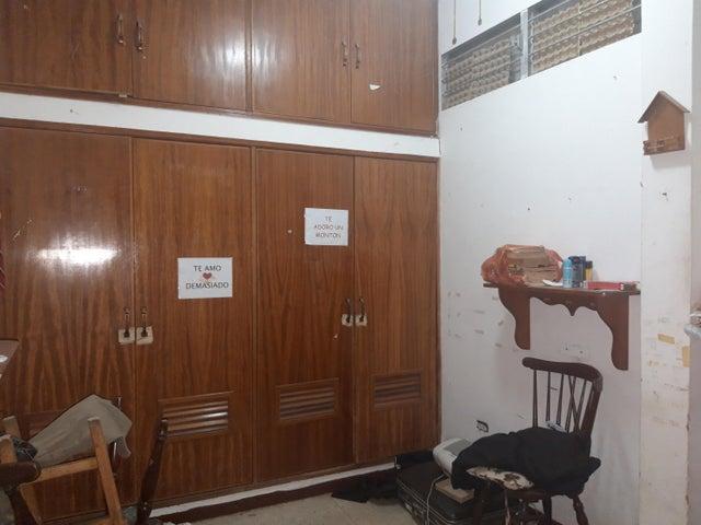 Casa Zulia>Maracaibo>El Pilar - Venta:18.000 Precio Referencial - codigo: 20-22393