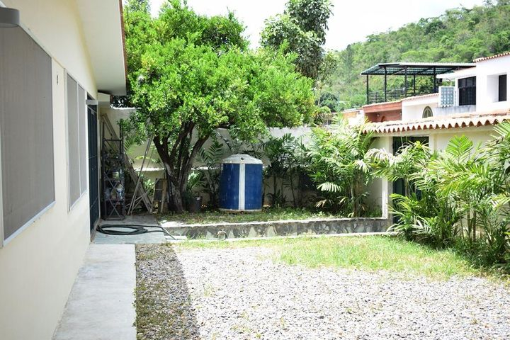 Casa Distrito Metropolitano>Caracas>La Trinidad - Venta:180.000 Precio Referencial - codigo: 20-22500