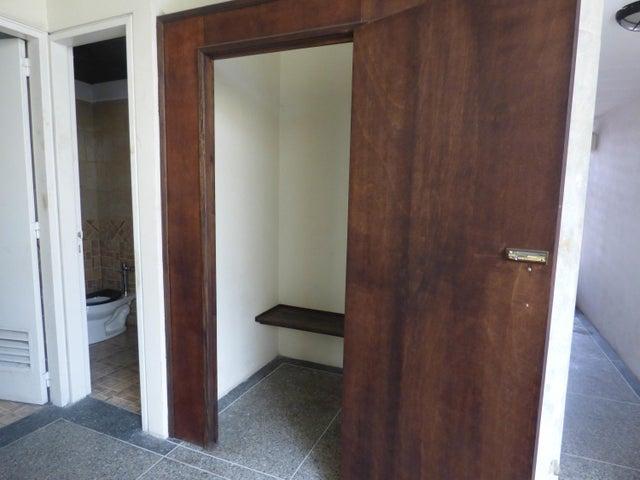 Edificio Distrito Metropolitano>Caracas>Prado de Maria - Venta:3.000.000 Precio Referencial - codigo: 20-23343