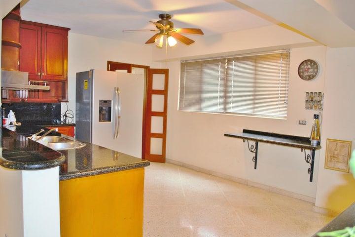 Apartamento Zulia>Maracaibo>Tierra Negra - Venta:33.000 Precio Referencial - codigo: 20-3424
