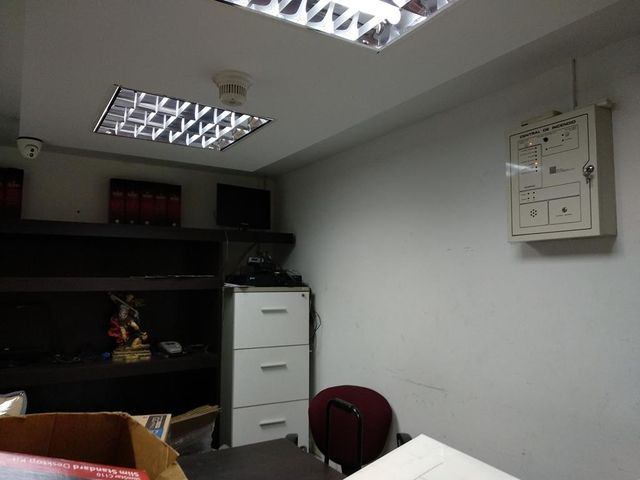 Local Comercial Distrito Metropolitano>Caracas>El Bosque - Alquiler:500 Precio Referencial - codigo: 20-22667