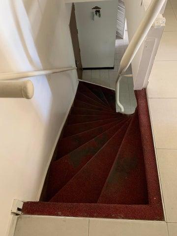 Apartamento Distrito Metropolitano>Caracas>Parque Central - Venta:40.000 Precio Referencial - codigo: 20-22931