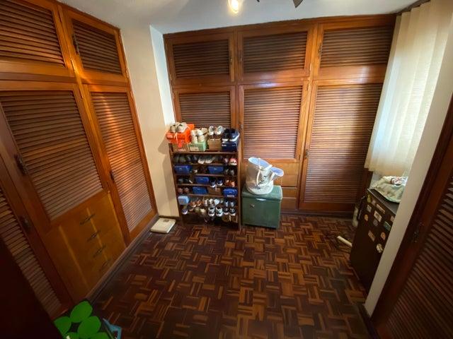 Casa Distrito Metropolitano>Caracas>Alto Prado - Venta:211.000 Precio Referencial - codigo: 20-23102