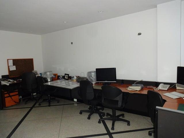 Local Comercial Distrito Metropolitano>Caracas>Altamira - Alquiler:1.550 Precio Referencial - codigo: 20-23346