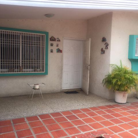 Casa Zulia>Municipio San Francisco>La Coromoto - Venta:32.000 Precio Referencial - codigo: 20-23506
