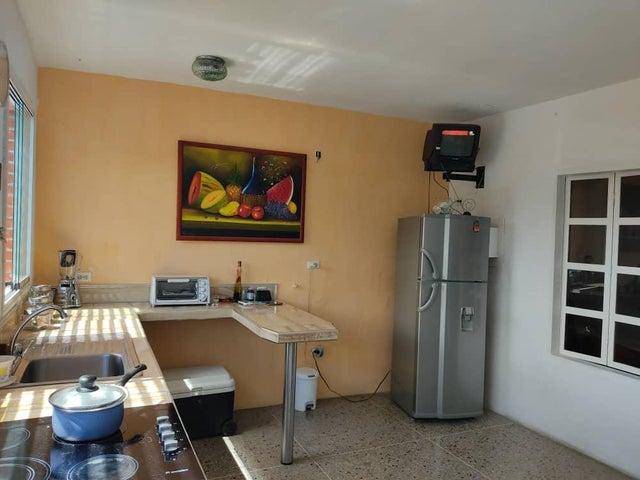 Apartamento Lara>Barquisimeto>Centro - Venta:15.000 Precio Referencial - codigo: 20-23538