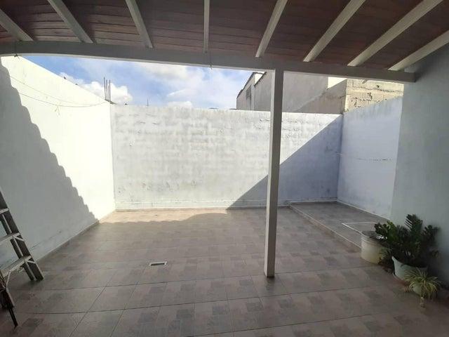 Casa Lara>Cabudare>Parroquia Jose Gregorio - Venta:20.000 Precio Referencial - codigo: 20-23553
