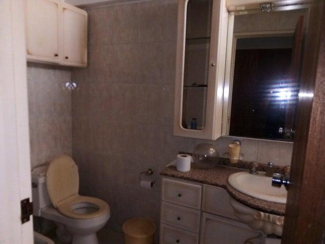 Apartamento Miranda>San Antonio de los Altos>Las Minas - Venta:120.000 Precio Referencial - codigo: 20-23639