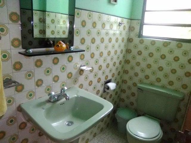 Casa Aragua>Maracay>Las Delicias - Venta:25.000 Precio Referencial - codigo: 20-23651