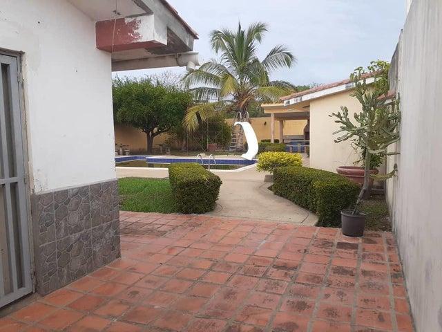 Casa Miranda>Higuerote>Ciudad Balneario Higuerote - Venta:34.000 Precio Referencial - codigo: 20-23686