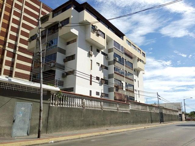 Apartamento Vargas>Parroquia Caraballeda>Palmar Este - Venta:18.000 Precio Referencial - codigo: 20-23739