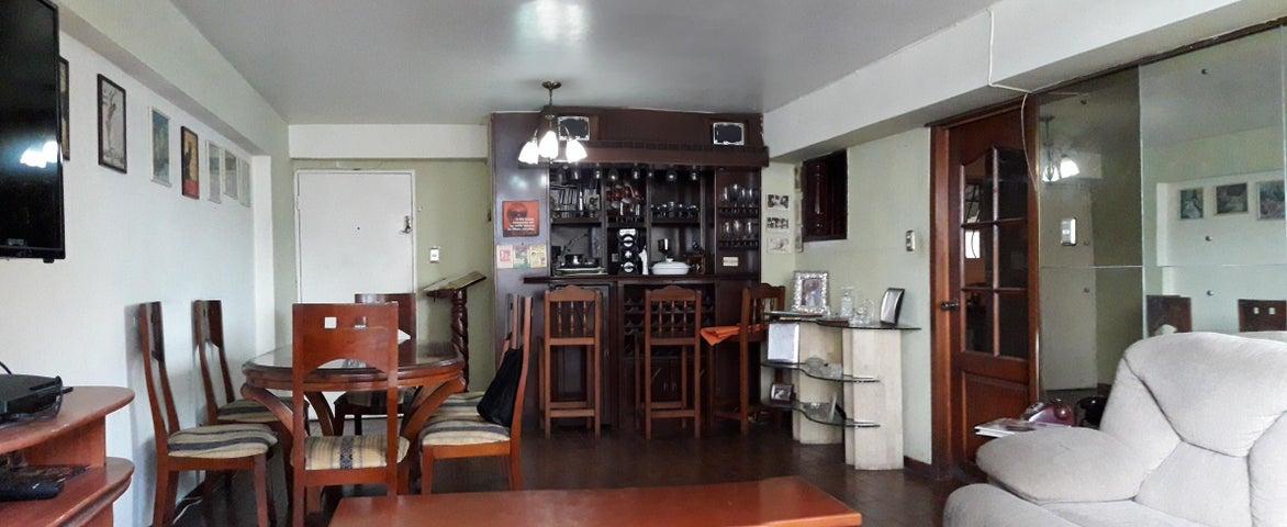 Apartamento Aragua>Maracay>Urbanizacion El Centro - Venta:24.500 Precio Referencial - codigo: 20-23741
