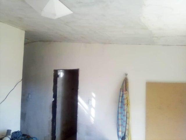 Casa Distrito Metropolitano>Caracas>El Junquito - Venta:70.000 Precio Referencial - codigo: 20-24524