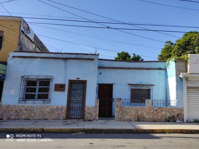 Terreno Lara>Barquisimeto>Centro - Venta:30.000 Precio Referencial - codigo: 20-23822