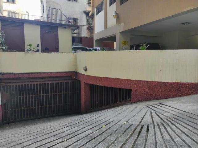 Oficina Distrito Metropolitano>Caracas>Las Delicias de Sabana Grande - Alquiler:230 Precio Referencial - codigo: 20-24597