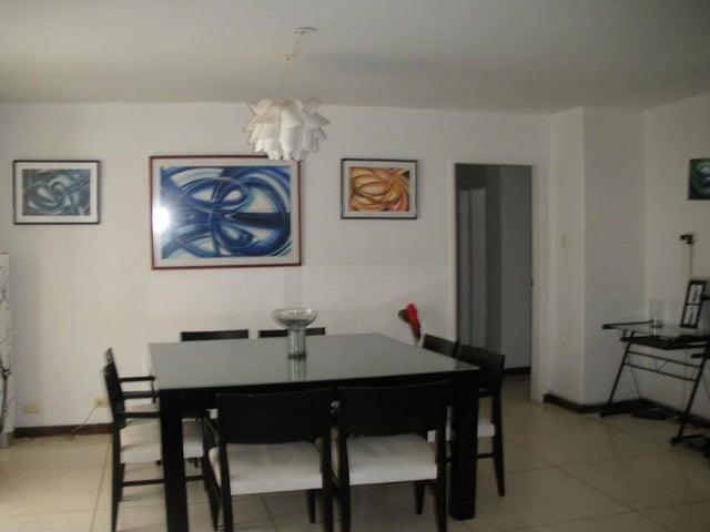 Apartamento Distrito Metropolitano>Caracas>Los Palos Grandes - Alquiler:700 Precio Referencial - codigo: 20-21490