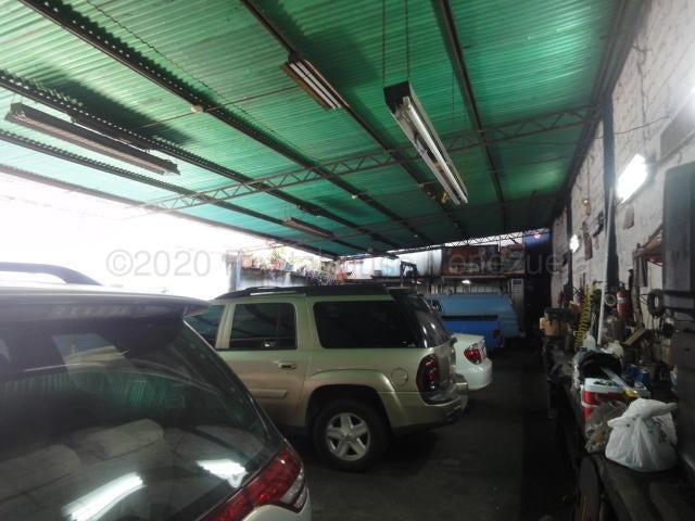 Galpon - Deposito Distrito Metropolitano>Caracas>Parroquia La Candelaria - Venta:300.000 Precio Referencial - codigo: 20-23912