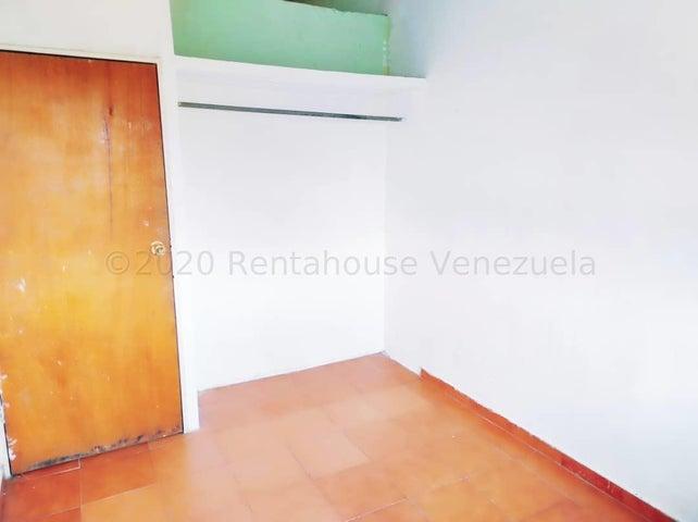 Apartamento Aragua>Maracay>Madre Maria - Venta:7.900 Precio Referencial - codigo: 20-24044