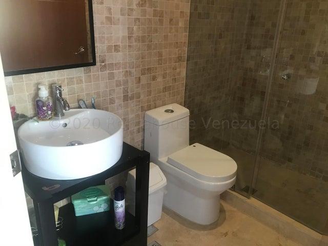 Casa Distrito Metropolitano>Caracas>Oripoto - Venta:350.000 Precio Referencial - codigo: 20-24045