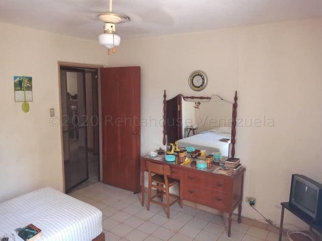 Apartamento Aragua>Maracay>Los Caobos - Venta:30.000 Precio Referencial - codigo: 20-24099