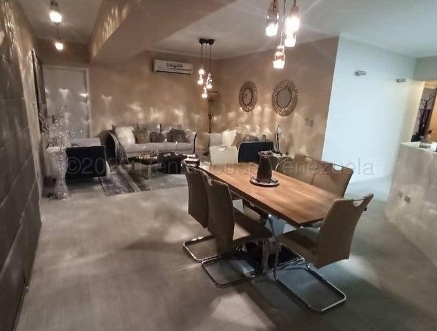 Apartamento Aragua>Maracay>La Soledad - Venta:210.000 Precio Referencial - codigo: 20-24100