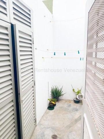 Casa Distrito Metropolitano>Caracas>Prados del Este - Venta:880.000 Precio Referencial - codigo: 20-24305