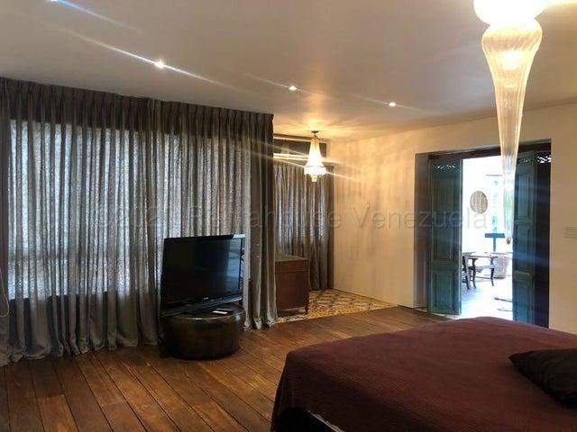 Apartamento Distrito Metropolitano>Caracas>Los Palos Grandes - Venta:1.500.000 Precio Referencial - codigo: 20-24327