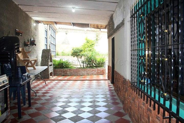 Casa Miranda>Carrizal>Colinas de Carrizal - Venta:60.000 Precio Referencial - codigo: 20-24740