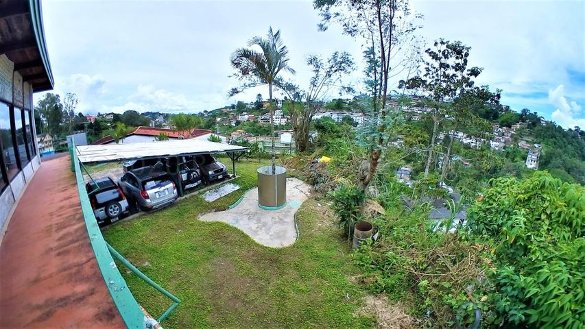 Casa Miranda>San Antonio de los Altos>Las Polonias Viejas - Venta:95.000 Precio Referencial - codigo: 20-24511